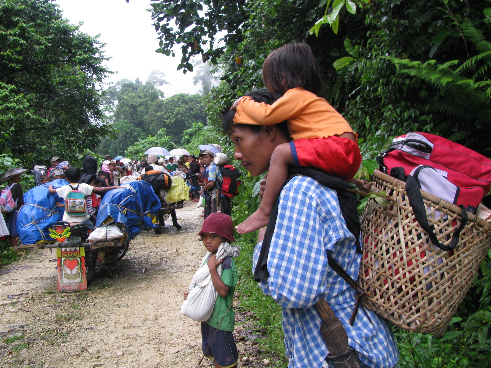 conflict in mindanao For decades, there has been conflicting ethnicities and interests in the mindanao region of the philippines the most recent and pressing conflict in mindanao has been between muslim rebels and the state/country.